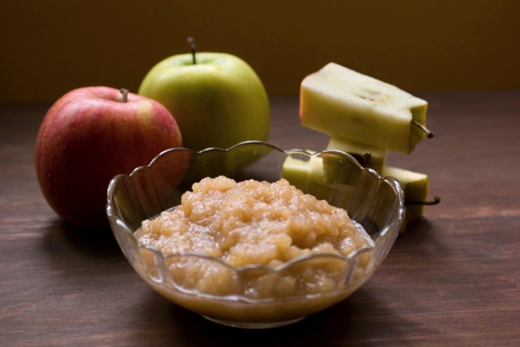 Homemade Applesauce. 3 steps to homemade applesauce!