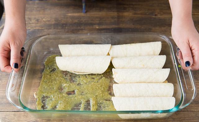 How to Make Green Chili Chicken Enchiladas