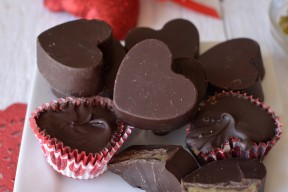 nut free chocolate pumpkin butter cups from super healthy kids