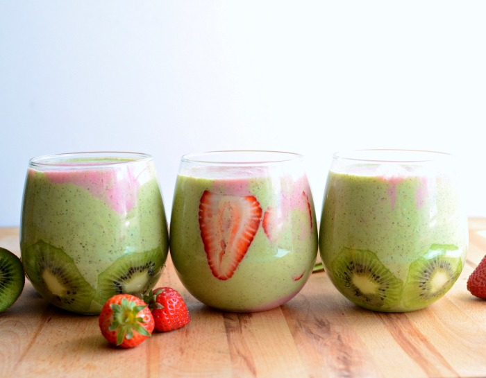 Strawberry Kiwi Smoothie Recipe. Strawberry Kiwi Smoothie quick, easy, and healthy!