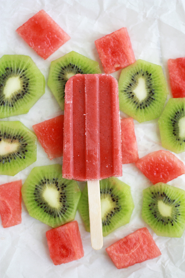 Strawberr Watermelon Kiwi Popsicles - A refreshing, fresh summer treat