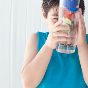 How to Make Sure Your Kids are Drinking Enough Water