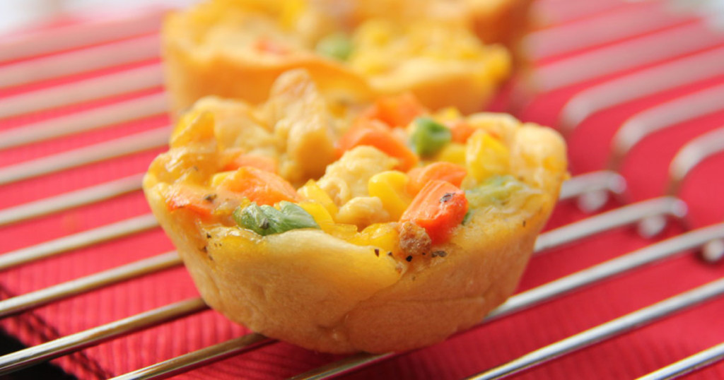 18+ Healthy and Delicious Recipes You Can Make in a Muffin Tin. From portable meals to desserts to a balanced meal in a one cup, kids will love these recipes you can make in a muffin tin!