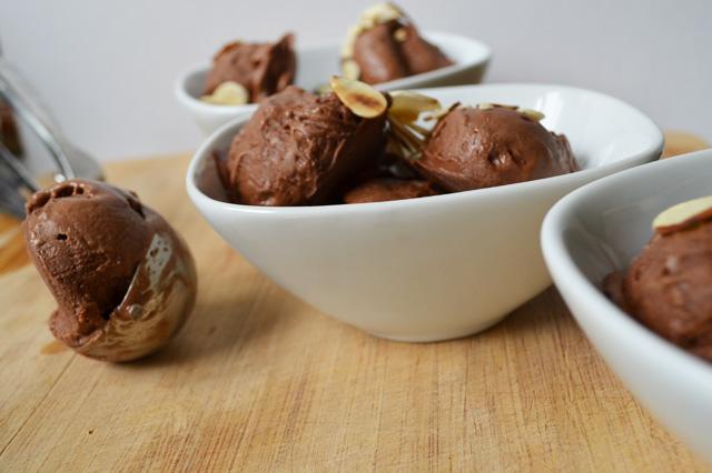 Instant Chocolate Almond Ice Cream - Dairy Free & No Refined Sugar! www.superhealthykids.com