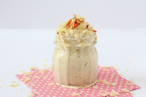 A delicious and healthy overnight oats recipe flavoured with apple and almond butter!