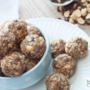 Peanut Butter Chocolate No-Bake Granola Bar Bites