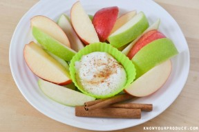 Maple-Cinnamon-Greek-Yogurt-Dip