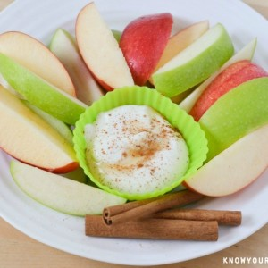 Apples with Maple Cinnamon Greek Yogurt Dip