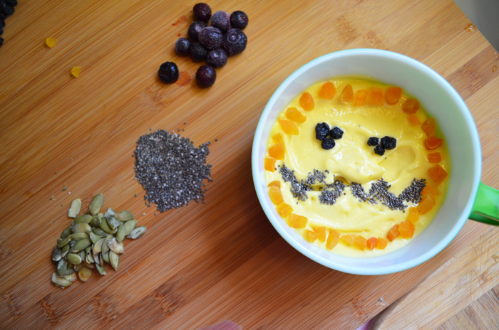 Spooky Superfood Smoothie Bowl for Halloween. These smoothie bowls for breakfast are a healthy way to start the day, any time of year!