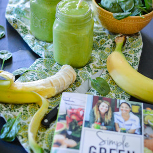 Simple Green Smoothies Book Review + Beginner's Luck Smoothie
