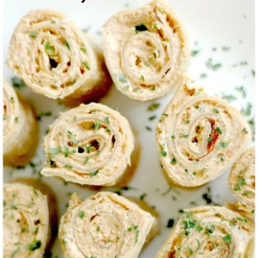 Mexican Pinwheels :: Perfect for quick lunches, fun appetizers, & easy lunchbox additions!