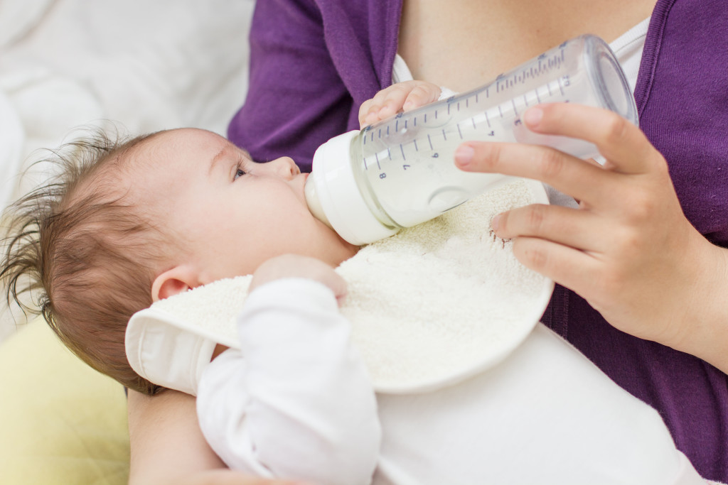 breast feding vs formula feeding Feeding & eating breastfeeding why breast is best comparison of human milk and formula comparison of human milk and formula nutrient factor breast milk contains.