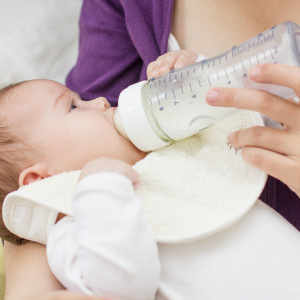 Breastfeeding and Formula Feeding