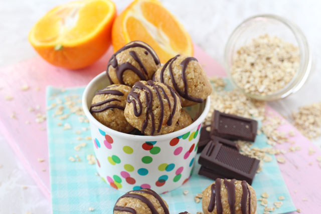 These Chocolate Orange Energy Bites make the perfect healthy snack for kids - chocolate and orange were meant to go together! www.superhealthykids.com