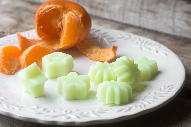 Healthy and Fun Frozen Yogurt Snacks. Make your own healthy frozen yogurt snacks in shapes your kids love! www.superhealthykids.com