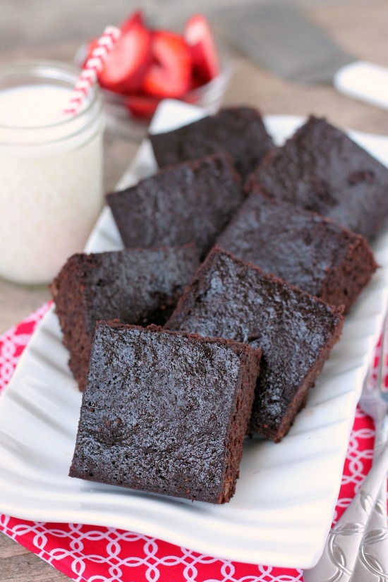 Coconut Flour Brownies Recipe. Coconut flour makes a deliciously dense and chewy brownie, gluten-free. www.superhealthykids.com