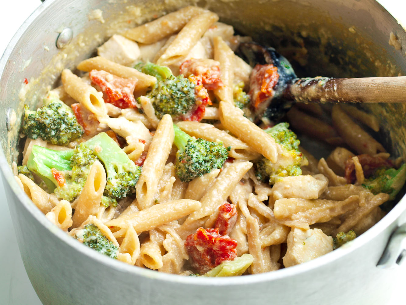 Tangy One Pot Chicken and Veggie Pasta Dinner | Healthy ...