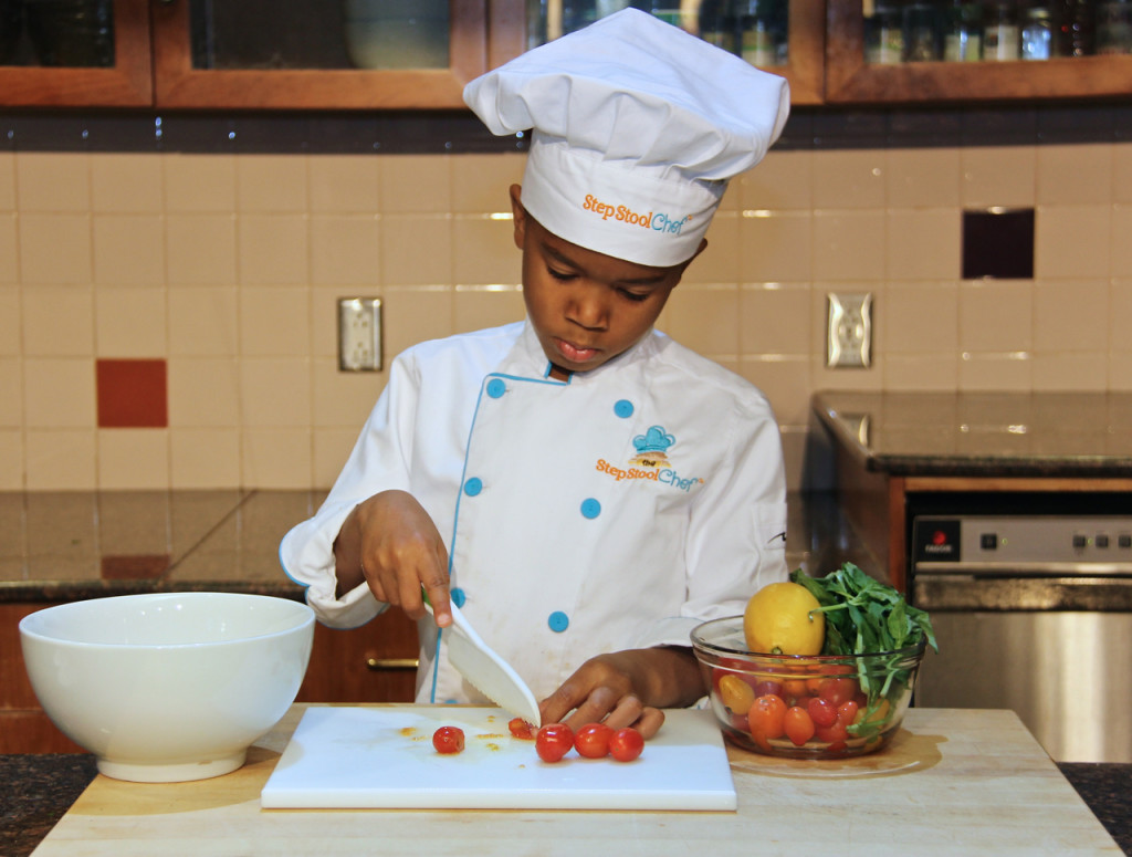 Top 7 kitchen safety tips to teach your kids healthy for 6 kitchen safety basics