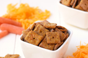 4-Ingredient-Cheesy-Carrot-Crackers