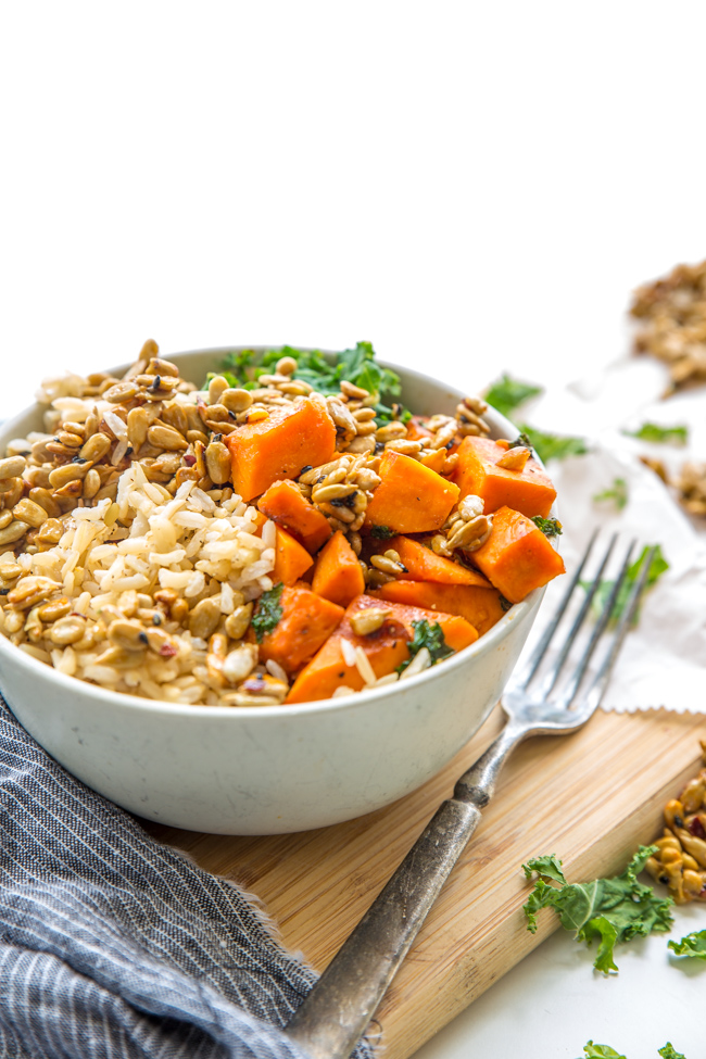 Veggie Dinner Bowl - A big ole' bowl of comfort served up at dinner-time. This is a perfect dish for warmer weather because it takes so little time, and you can even prep your sweet potatoes ahead of time! Total win for the whole family. www.superhealthykids.com