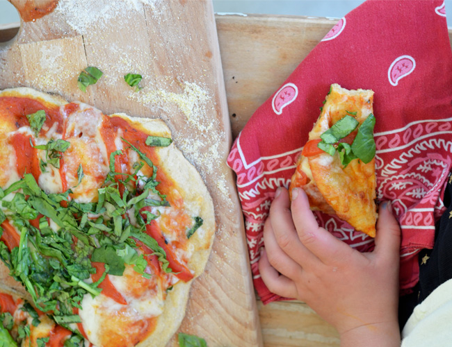 Summer Veggie Pizza with Whole Grain Crust - fresh, fast and incredibly healthy! www.superhealthykids.com