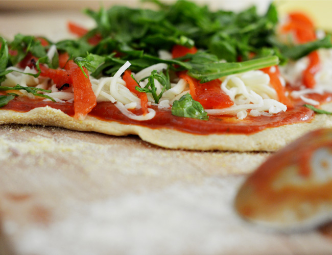 SSummer Veggie Pizza with Whole Grain Crust - fresh, fast and incredibly healthy! www.superhealthykids.com
