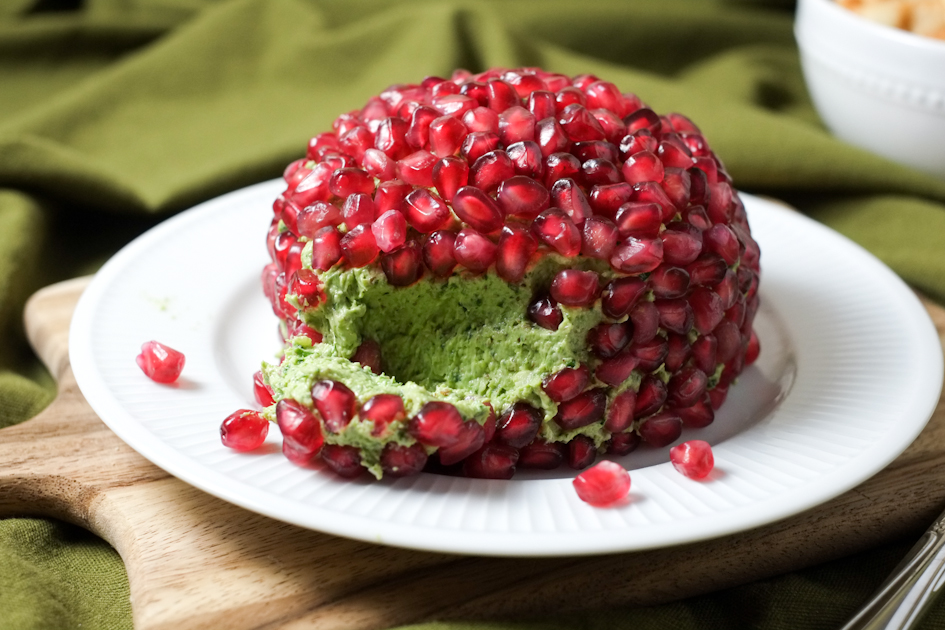 Pomegranate & Nut Cheese Ball Recipe [with hidden veggie!]   Healthy ...