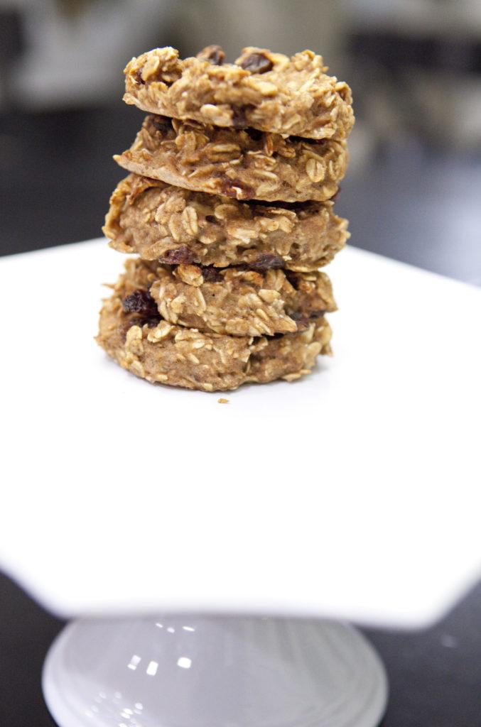 Delicious banana oat breakfast cookies. www.superhealthykids.com
