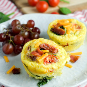 Bacon, Spinach & Tomato Breakfast Egg Cups Recipe