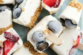 These no-bake ice cube tray cheesecake bites take only a few minutes to whip up!