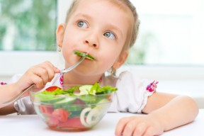 Top Tips to Get your Kids to Eat Salad