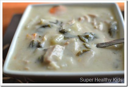 Crockpot Creamy Chicken Spinach Soup