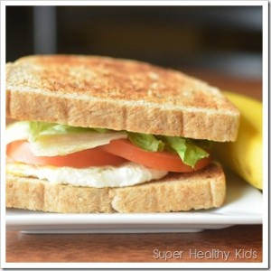 10 Ways to Make Family Dinner FUN {Plus New Meal Plan}
