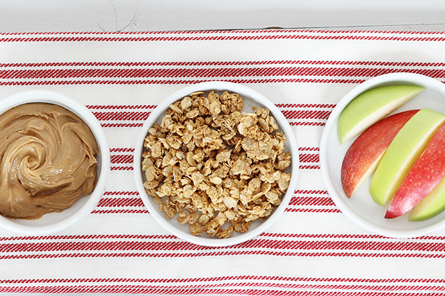 apple slices granola and peanut butter