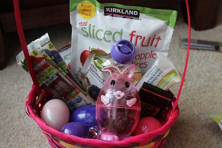 8 healthy themed easter basket ideas healthy ideas for kids this healthy snack basket from kitchen stewardship negle Gallery