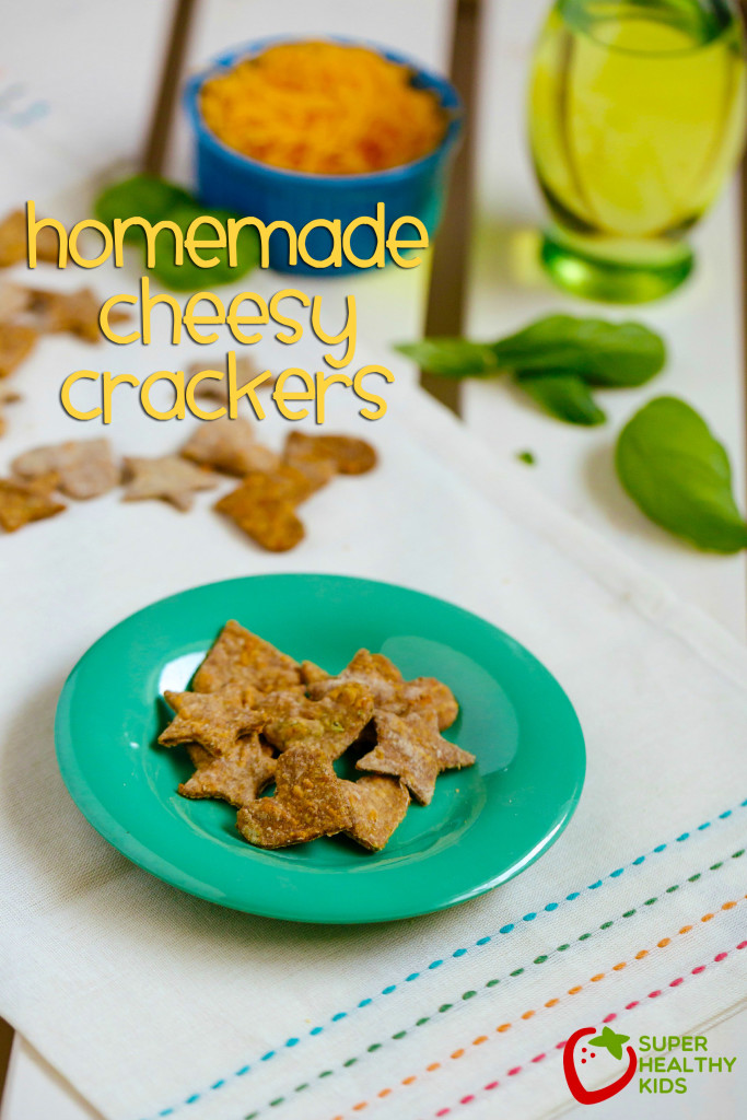 Homemade Cheesy Crackers. Savory, cheesy, and the best part is they are healthy. Great alternative to goldfish crackers and MUCH better for your little ones. www.superhealthykids.com