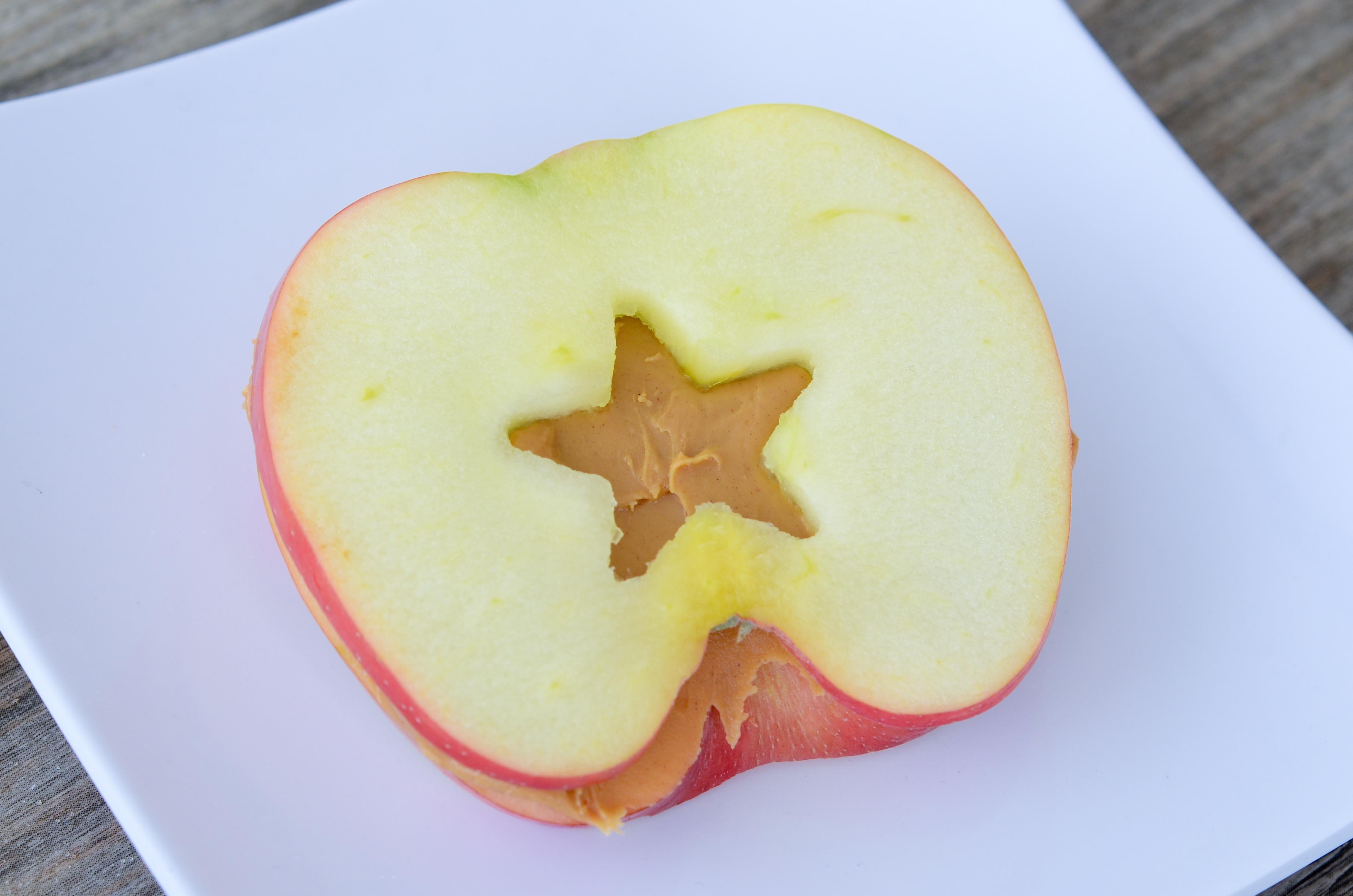 Apple & Peanut Butter Sandwich Snacks | Super Healthy Kids