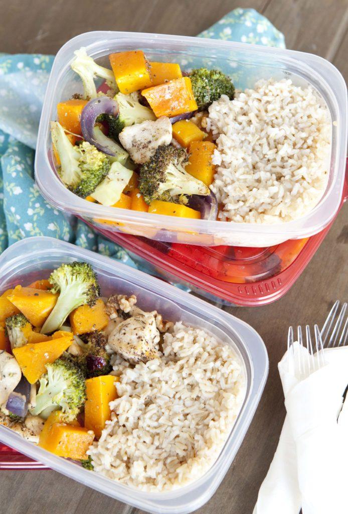 Chicken and Fall Roasted Veggies Sheet Pan Dinner. www.superhealthykids.com