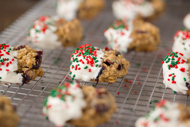Oatmeal Christmas Cookies with cranberries