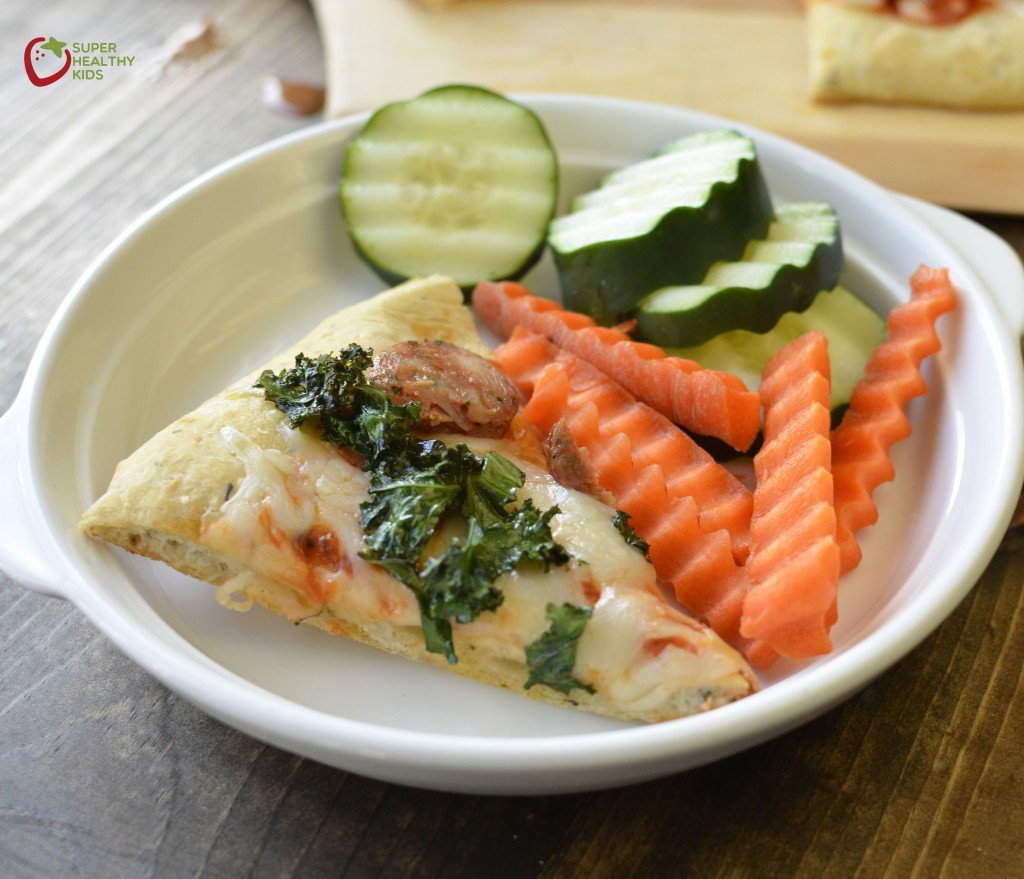 Superfoods at Every Meal: Kale Pizza. This kale pizza includes chickpeas in the crust. So delicious and good for you!