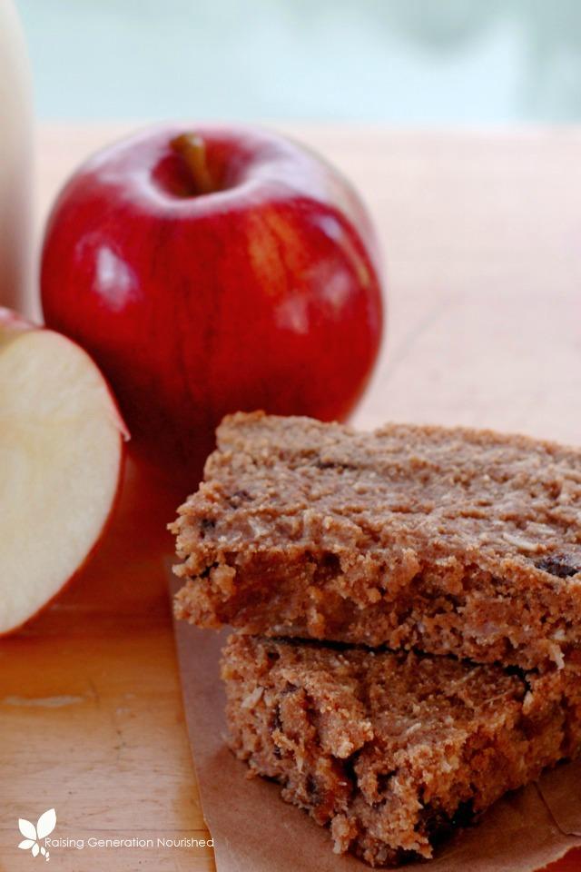 http://www.raisinggenerationnourished.com/2015/02/simple-cinnamon-granola/