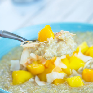 Quinoa Breakfast with Mango and Coconut