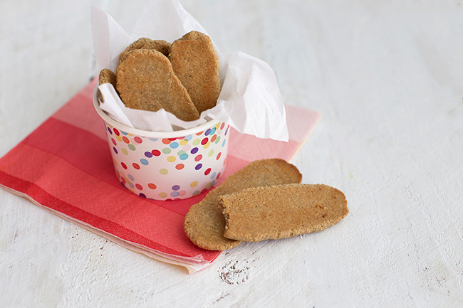 Healthy Homemade Teething Biscuits - Perfect for baby led weaning. So much better than the store-bought ones!