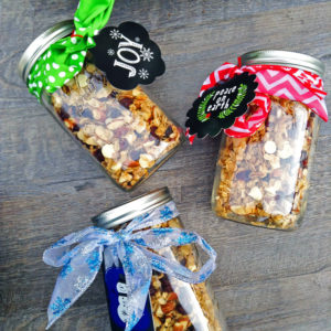Holiday Gift Idea: Cranberry Almond Granola Jars