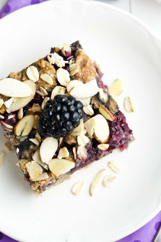 Crunchy almonds and oats top these healthy breakfast bars.