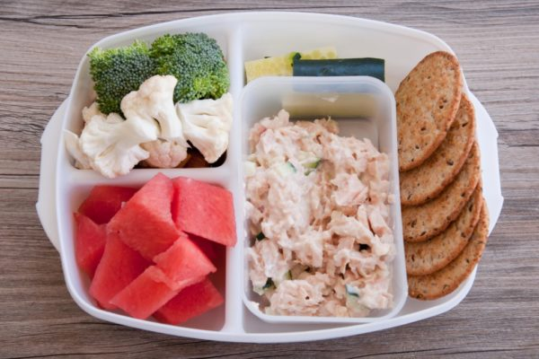 Tuna-Salad-with-Crackers-1024×680