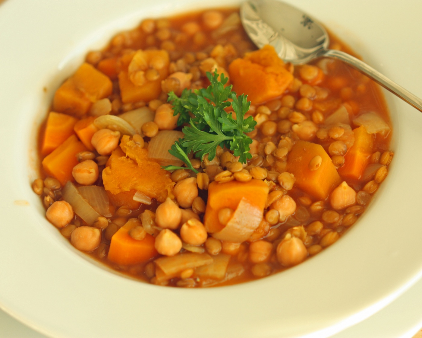 Delicious squash lentil slow cooker soup super healthy for Delicious slow cooker soup recipes