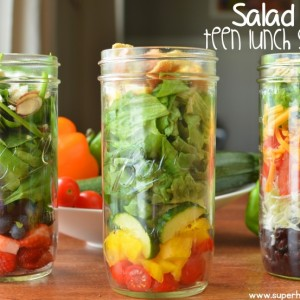 Salad Jars {Teen Lunch Solutions}